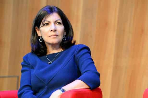 Anne hidalgo maire de Paris Conseil métropolitain