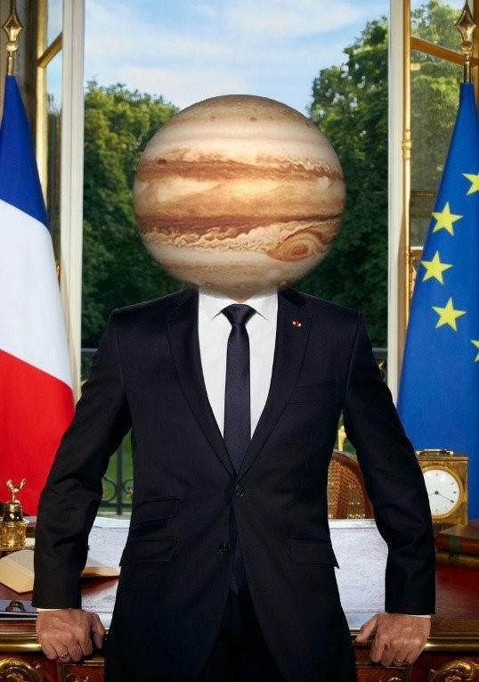 Macron_9
